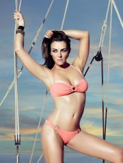 LIZ HURLEY POSE POUR LA DERNIERE COLLECTION DE MAILLOTS DE BAIN MANGO  Liz Hurley for MNG swimbath collection   REPORTERS / Angeli  Ref:  00130623_000002.jpg