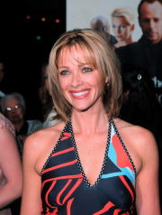 Feb 21, 2000; Los Angeles, CA, USA; Actor LAUREN HOLLY @ 'The Whole Nine Yards' premiere.