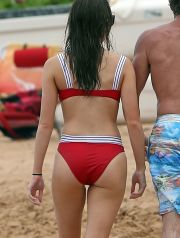 ** RIGHTS: WORLDWIDE EXCEPT IN GERMANY ** Hawaii, Hi  - *EXCLUSIVE* Hailee Steinfeld goes paddle boarding with her family on Christmas Day in Hawaii. The brunette 21-year-old flaunts her figure in a bright red bikini as she enjoys time outdoors. Shot on 12/25/17.  Pictured: Hailee Steinfeld  BACKGRID USA 26 DECEMBER 2017   USA: +1 310 798 9111 / usasales@backgrid.com  UK: +44 208 344 2007 / uksales@backgrid.com  *UK Clients - Pictures Containing Children Please Pixelate Face Prior To Publication*