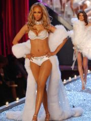 Model Tyra Banks wears lingerie at the Victoria''s Secret fashion show Thursday, Nov. 13, 2003 in New York. (AP Photo/Louis Lanzano) FASHION VICTORIAS SECRET