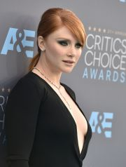Bryce Dallas Howard arrives at the 21st annual Critics' Choice Awards at the Barker Hangar on Sunday, Jan. 17, 2016, in Santa Monica, Calif. (Photo by Jordan Strauss/Invision/AP)