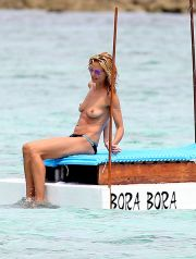 UK CLIENTS MUST CREDIT: AKM-GSI ONLY<BR />
