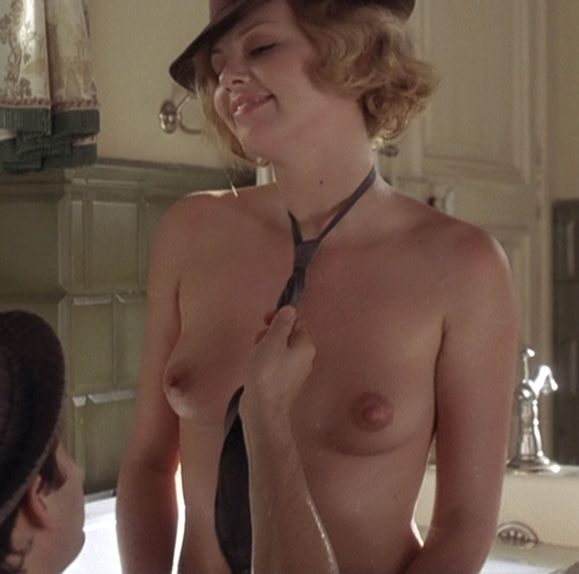 tight-charlize-theron-complete-nude-penetration-gif