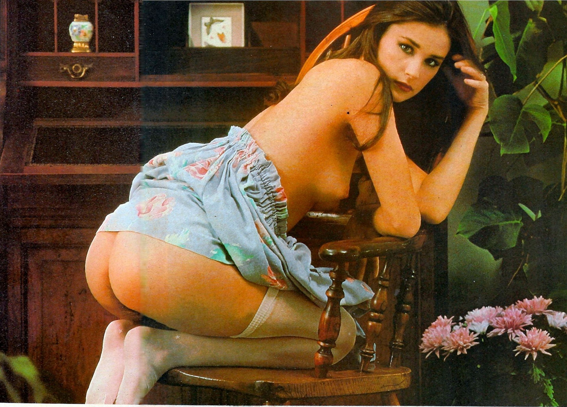 demi-moore-naked-on-chair