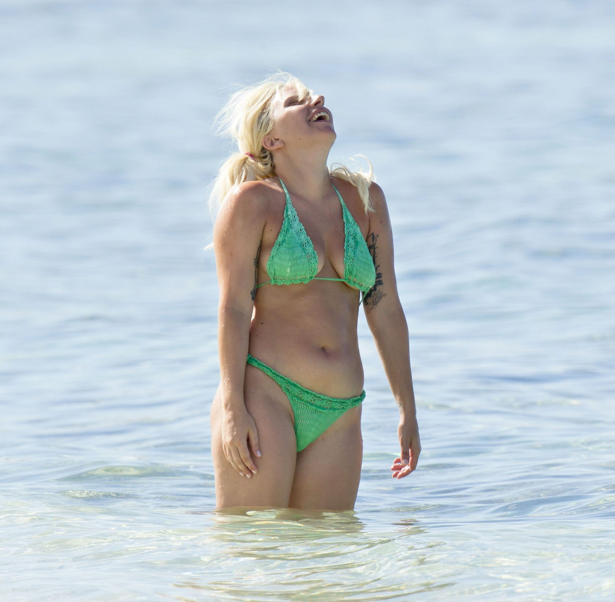 lady-gaga-nude-beach-girls-butt-naked-in-shower-with-g-string